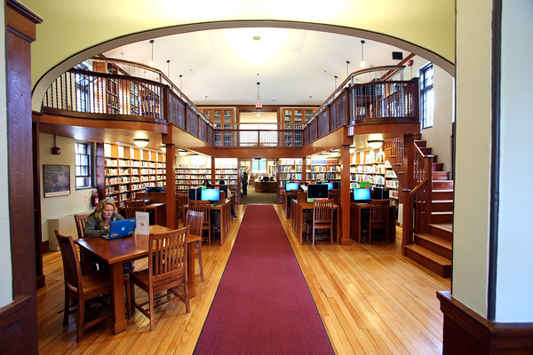 KEN YUSZKUS/Staff photo.     The Adult Computer room on the 1st floor and the stairs on the right lead to the balcony at Middleton's Flint Public Library .    05/18/16