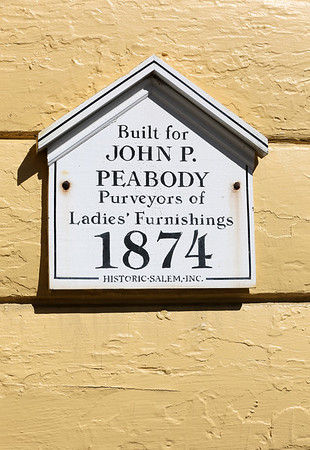 KEN YUSZKUS/Staff photo.    The plaque on the Peabody House at the Salem Inn.      04/13/16