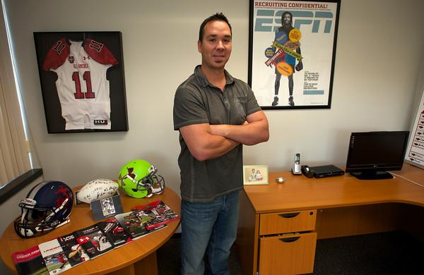 RYAN HUTTON/ Staff photo.<br /> Bill Tucker is the lead college recruiter for ESPN.com.