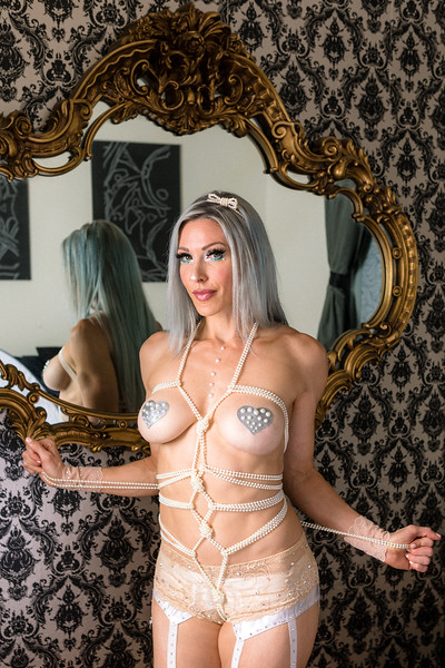 DAISY_ROSE_COBY_2021_MAGGIES_ROOM_0059