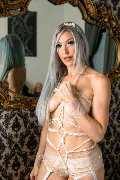DAISY_ROSE_COBY_2021_MAGGIES_ROOM_0030