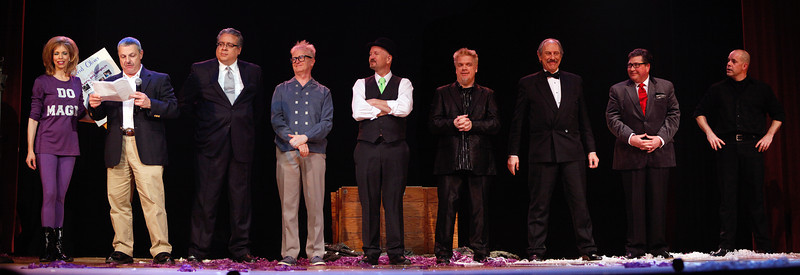 Cast photo of the evening show.