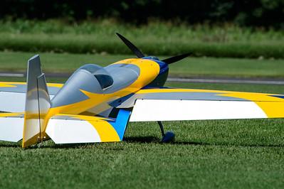 Mike Reynolds Comp ARF Extra 300.  DA 200