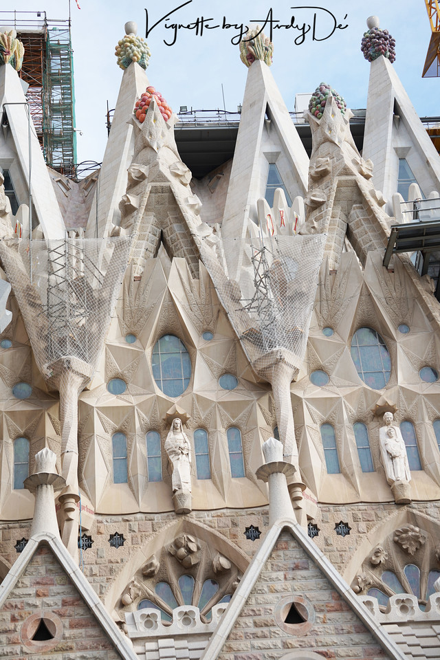 I have had the good fortune of having experienced the 'Holy Trinity' of Christianity's Holiest Shrines: St. Peters in Vatican City, Rome, The Church of the Holy Sepulchre in Jerusalem, and the Church of the Nativity in Bethlehem, but nothing had prepared me for the surreal experience at the SAGRADA FAMILIA in BARCELONA - the Magnum Opei of its Prodigal son, ANTONI GAUDI!