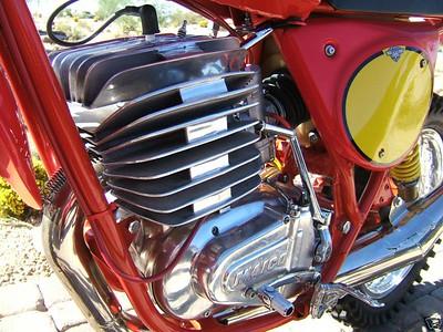 1977AW 400