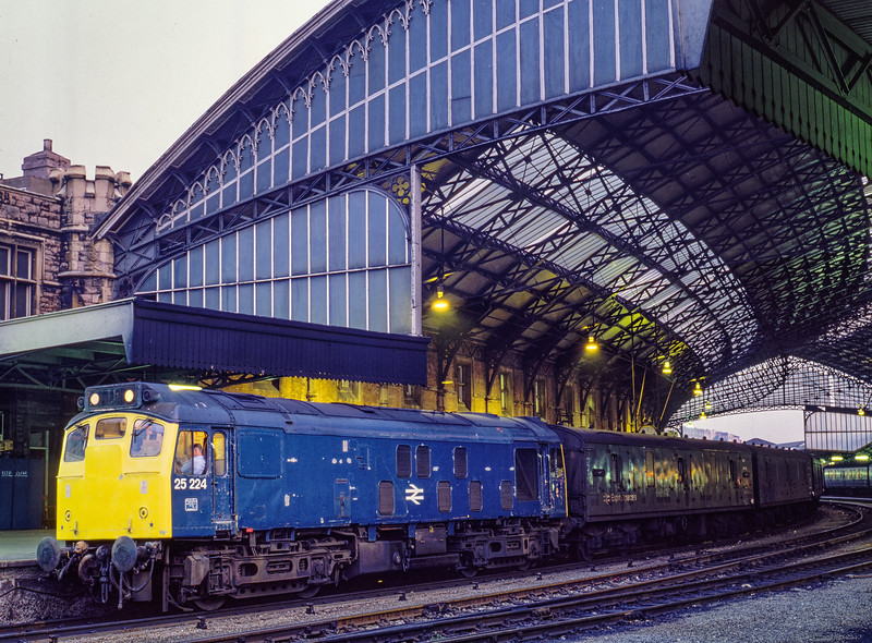 25224 at Bristol Temple Meads with the 12:10 Penzance - Glasgow parcels, <br /> on 25th August 1983.