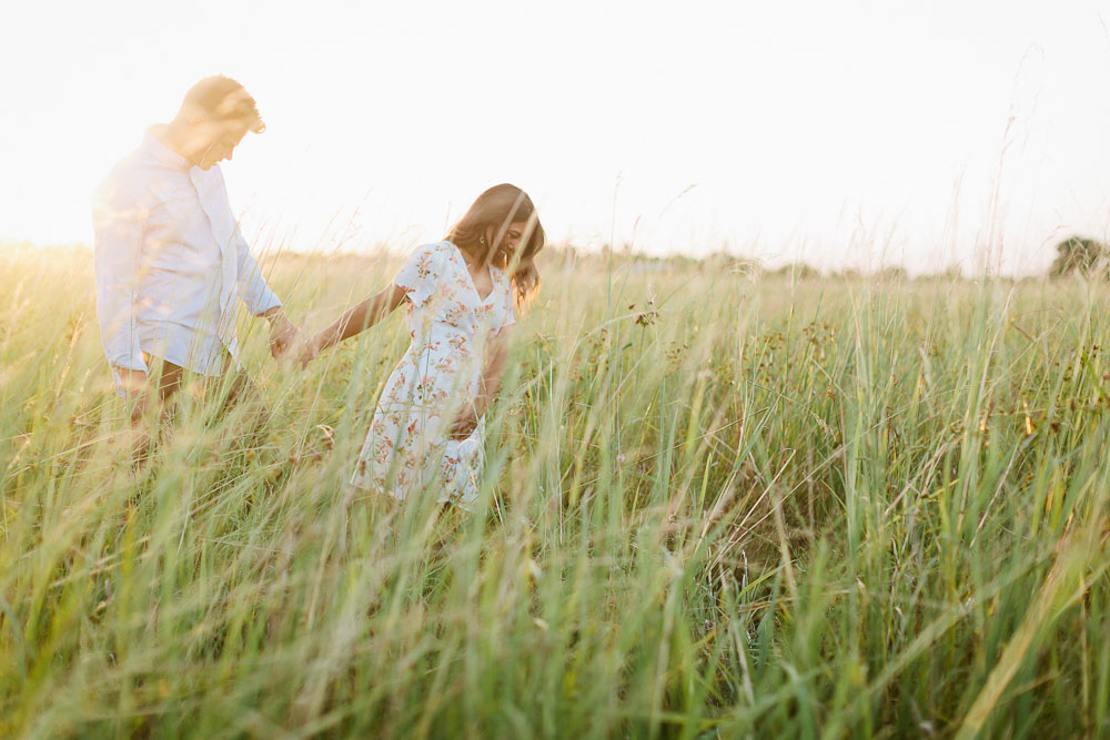 Engagement photo session of couple Vichiny and Hyrum in Katy, Tx by Daria Ratliff photography