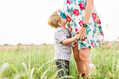 Lesley_maternity_field-30
