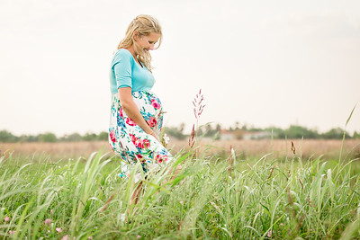 Lesley_maternity_field-08