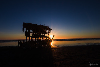 Sunset at the Peter Iredale