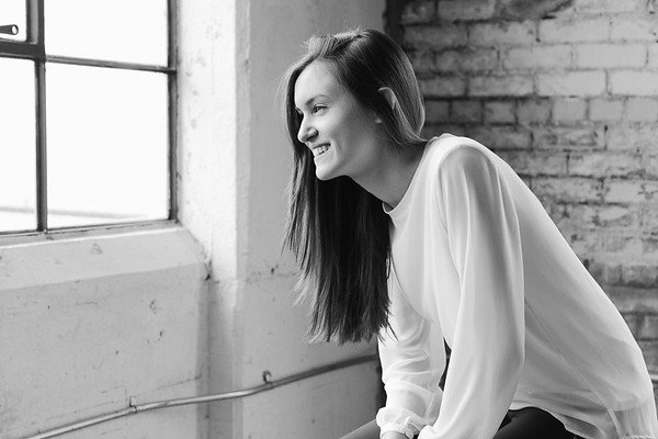 2017-Daria-Ratliff-Photography-Senior-Lauren-fill-in-the-blank-studio-houston-tx