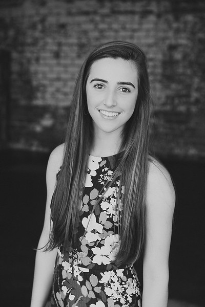 2017-Daria-Ratliff-Photography-Senior-Lauren-fill-in-the-blank-studio-houston-tx