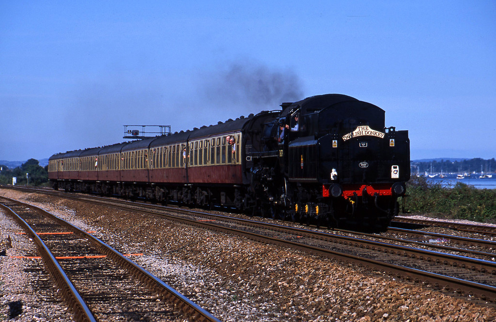 76079, 14.54 Exeter St David's-Paignton, Powderham, near Exeter, 27-8-01.