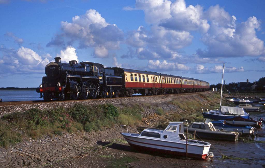 76079, 17.40 Paignton-Exeter St David's Cockwood Harbour, 8-8-01.