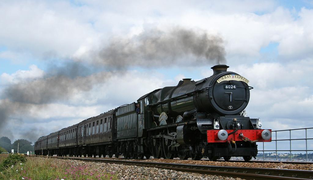 6024, 09.17 Bristol Temple Meads-Kingswear, Torbay Express, Cockwood, near Starcross, 26-8-07.