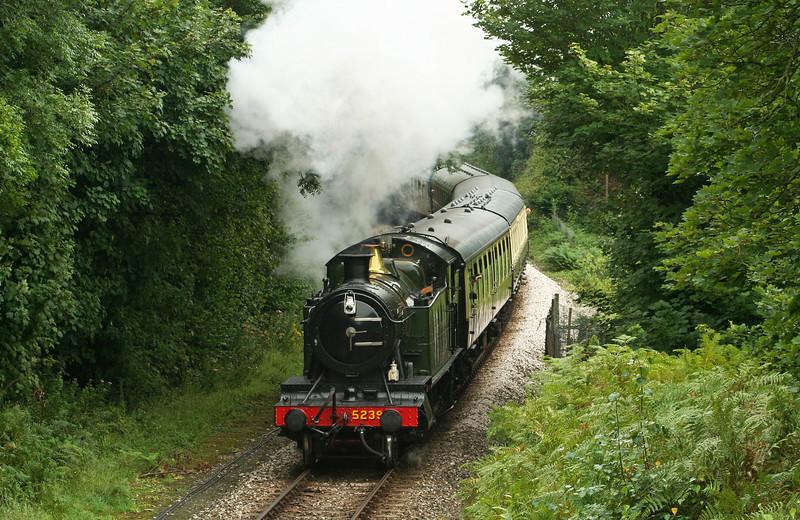 5239, 14.45 Kingswear-Paignton, leaving Kingswear, 5-8-08.