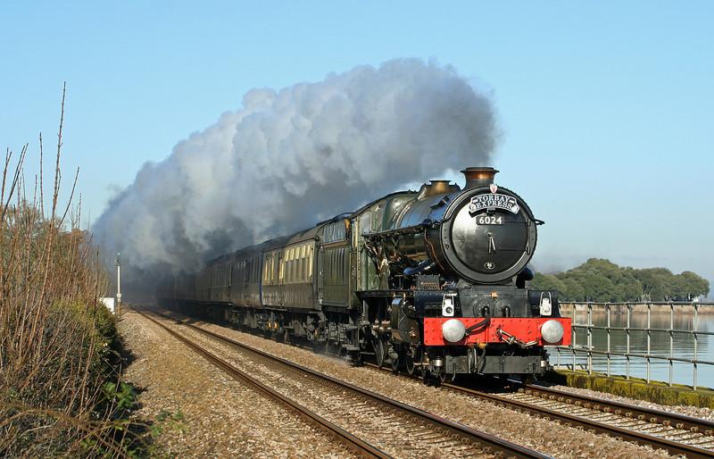 6024, 09.21 Bristol Temple Meads-Kingswear, Torbay Express, Powderham, 6-12-08.