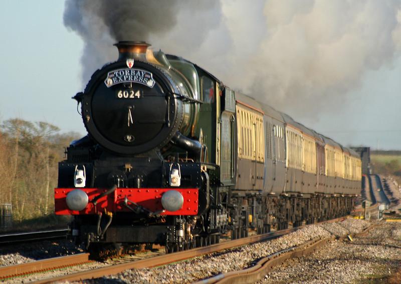 6024, 09.21 Bristol Temple Meads-Kingswear, Torbay Express, Cogload Junction, 6-12-08.