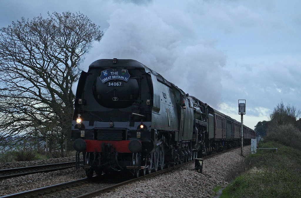 34067/70013, The Great Britain II, Powderham, near Starcross, 7-4-09.