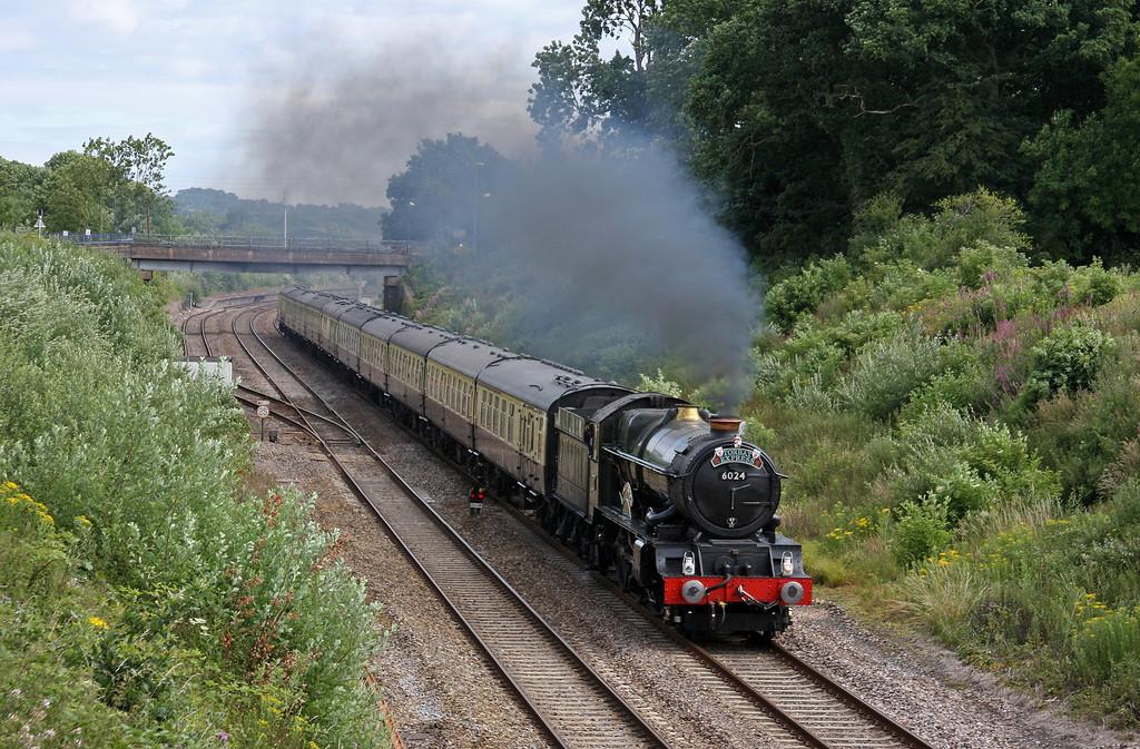 6024, 09.15 Bristol Temple Meads-Kingswear, Torbay Express, Willand, near Tiverton, 4-7-10.
