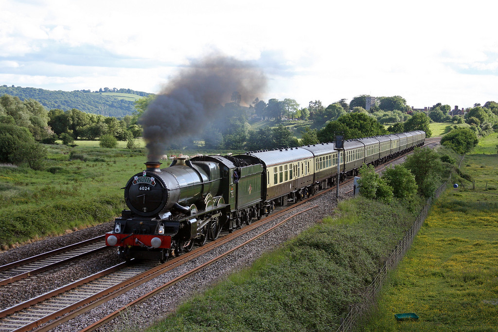 6024, 16.42 Kingswear-Bristol Temple Meads, Torbay Express, Rewe, near Exeter, 6-6-10.