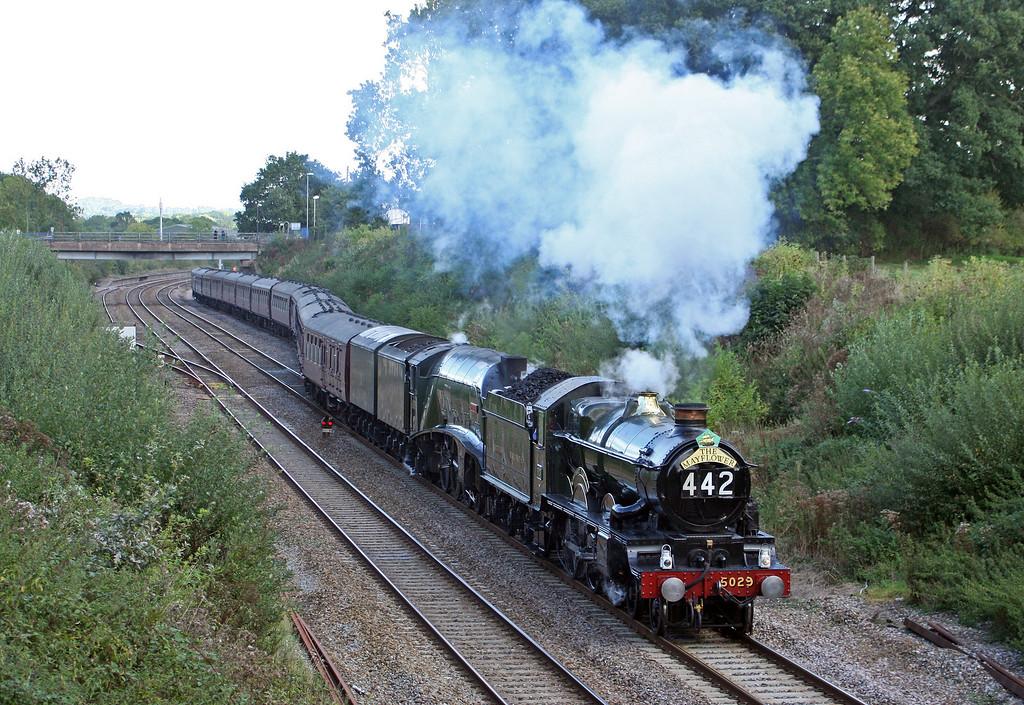 5029/60019, 06.48 London Euston-Plymouth, The Mayflower, departing Tiverton loops, 11-9-10.