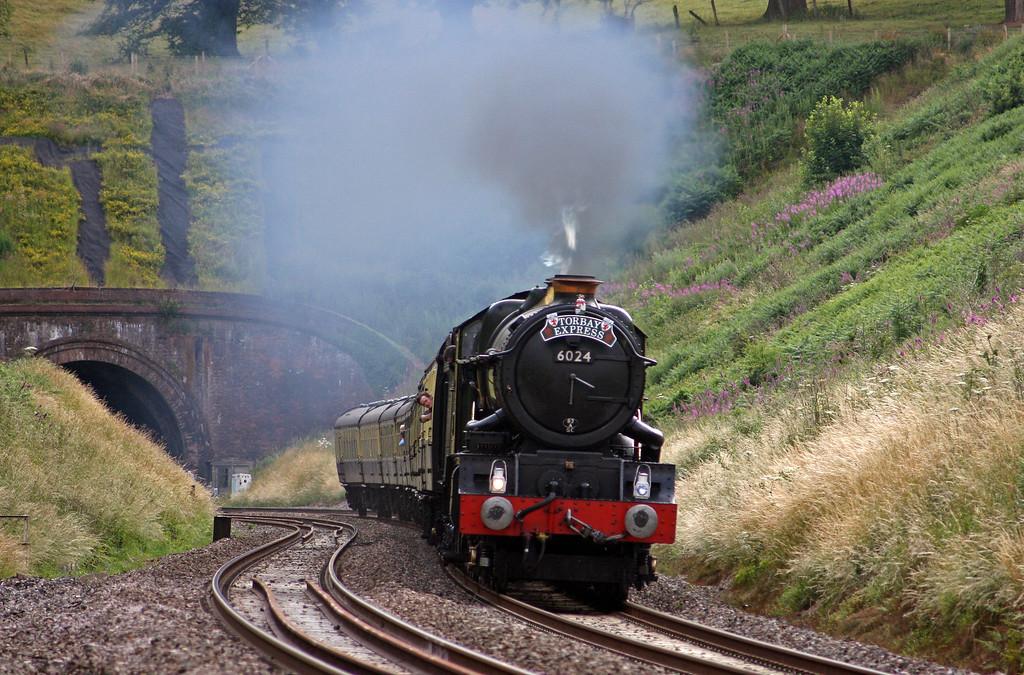6024, 16.42 Kingswear-Bristol Temple Meads, Torbay Express,  Marlands, near Wellington, 4-7-10.