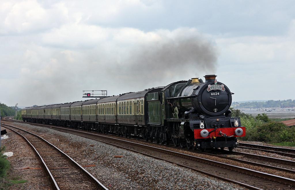 6024, 09.15 Bristol Temple Meads-Kingswear, Torbay Express, Dawlish Warren, 13-6-10.