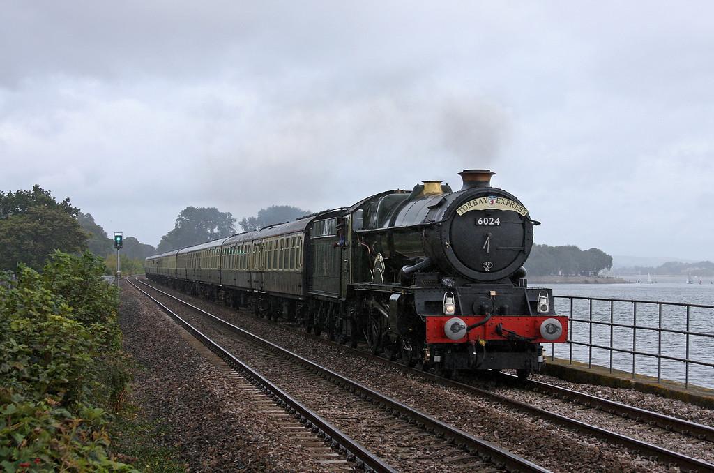 6024, 09.15 Bristol Temple Meads-Kingswear, Torbay Express, Powderham, near Starcross, 18-9-11.