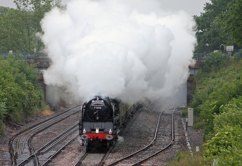 71000, 09.15 Bristol Temple Meads-Kingswear,Torbay Express, Willand, near Tiverton, 12-6-11.