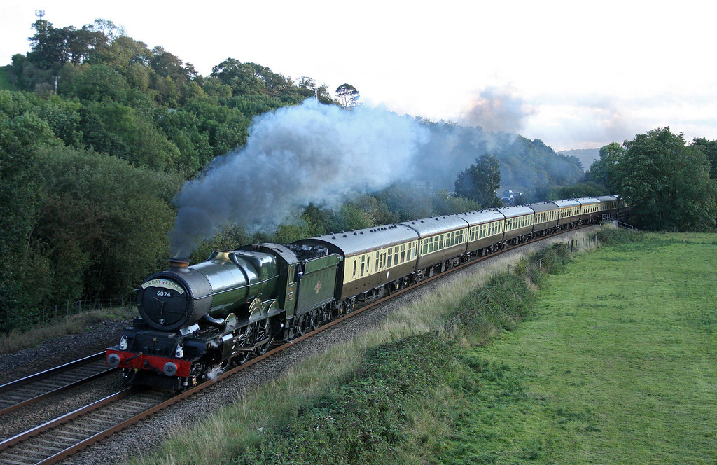 6024, 16.45 Kingswear-Bristol Temple Meads, Torbay Express, Cullompton, 18-9-11.