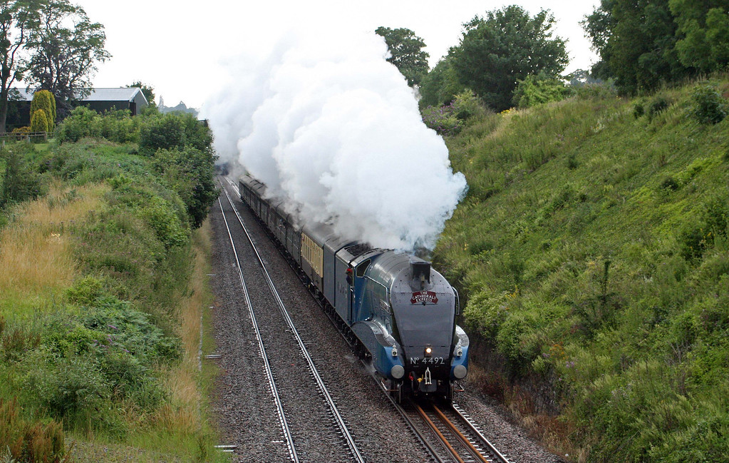 4492, 18.05 Cardiff Central-London Victoria, The Cathedrals Express, Sedbury Lane, Chepstow, 7-7-11.