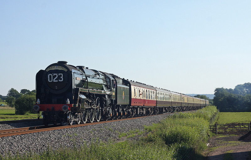 70000, 16.50 Kingswear-Bristol Temple Meads, Torbay Express, Pugham Crossing, near Burlescombe, 22-7-12.