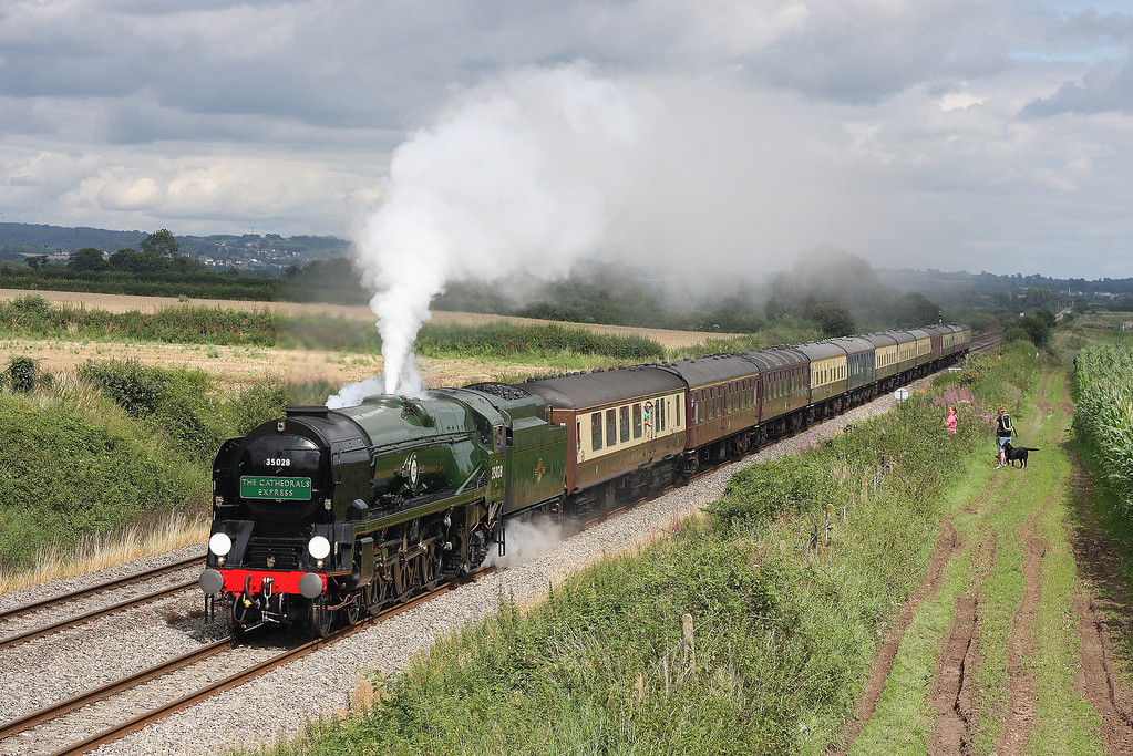 35028, 08.45 London Victoria-Cardiff Central, The Cathedrals Express, Woolaston, near Lydney, 20-8-12.