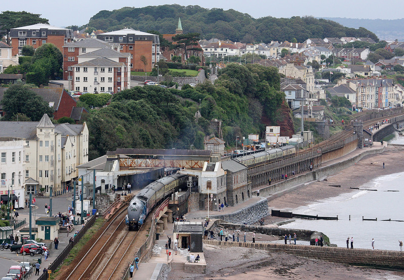 4464, 09.15 Bristol Temple Meads-Kingswear, Torbay Express, Dawlish, 2-9-12.