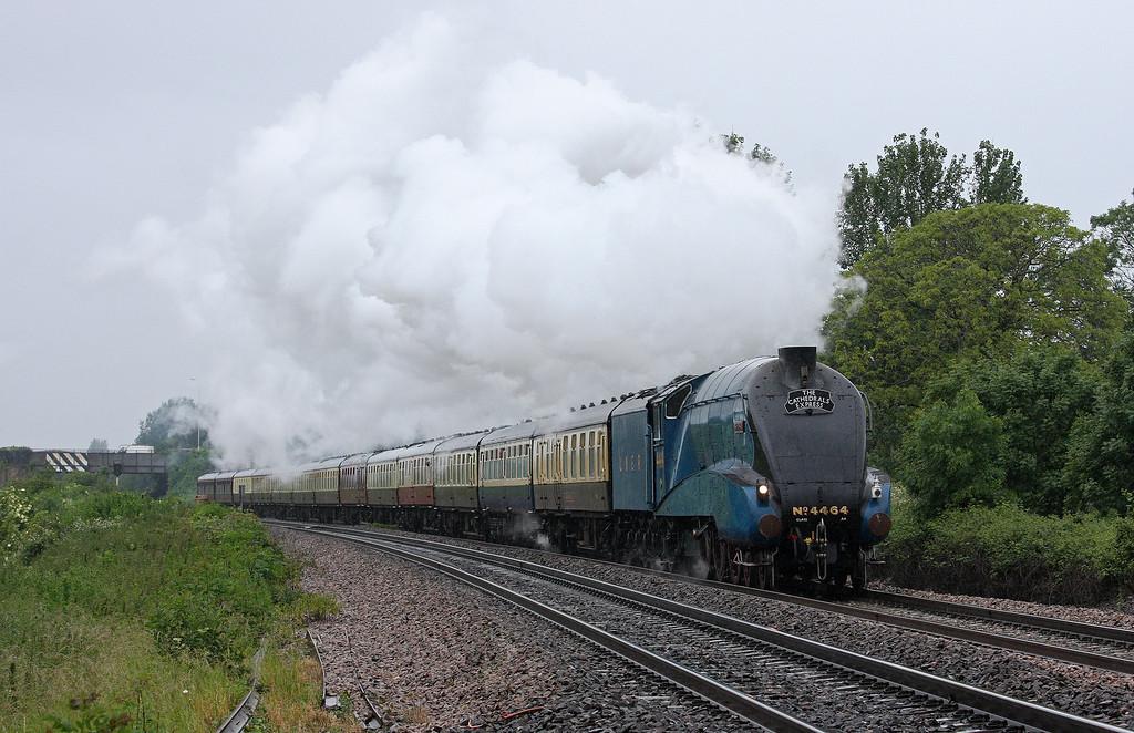 4464, 16.30 Minehead-London Victoria, The Cathedrals Express, Bathpool, Taunton, 21-6-12.