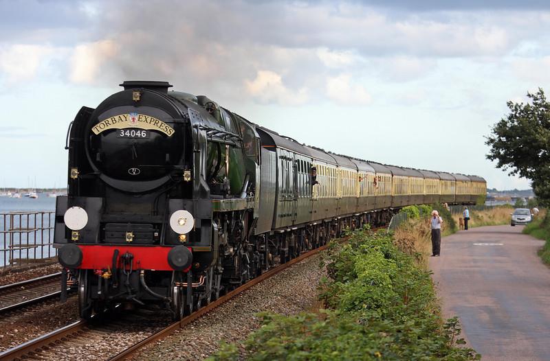 34046, 16.50 Kingswear-Bristol Temple Meads, Torbay Express, Powderham, near Starcross, 18-8-13.