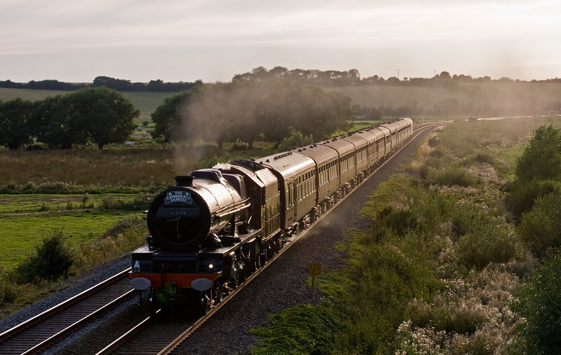 6201, 16.15 Minehead-London Victoria, The Cathedrals Express, Wick, near Langport, 23-8-16. 47580 on rear.
