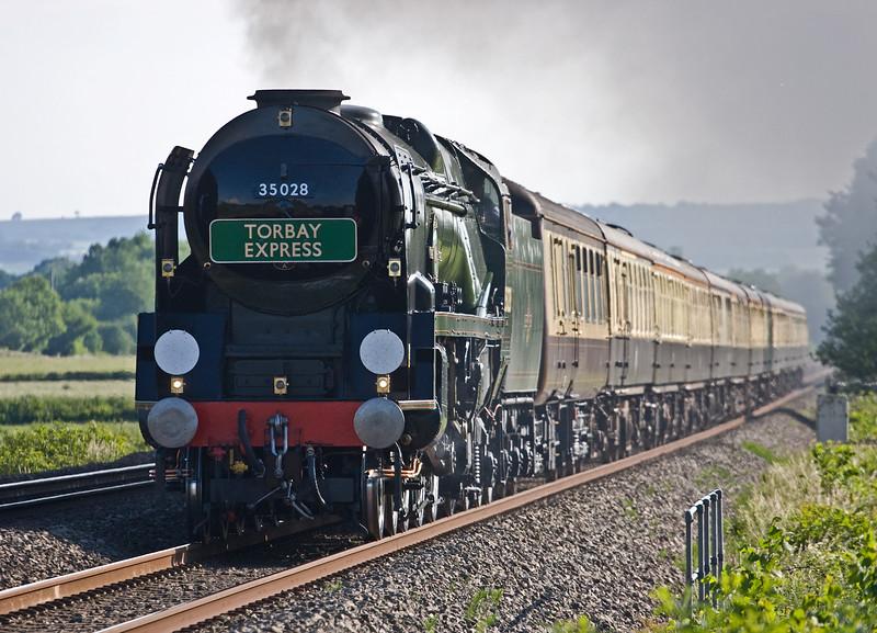 35028, Torbay Express, 16.50 Kingswear-Bristol Temple Meads, via Westbury, Pugham Crossing, near Burlescombe, 3-6-18.