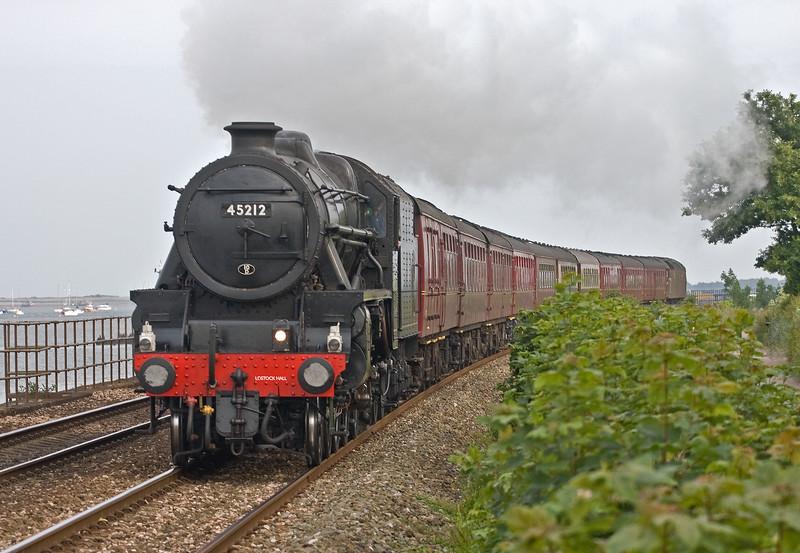 45212/47746, The Dartmouth Express, 17.30 Kingswear-Woking, Powderham, near Exeter, 9-6-18.