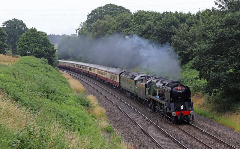 34046 Braunton (running as 34052 Lord Dowding)/47805 (D1935), 09.06 Bristol Temple Meads-Kingswear, English Riviera Express, Whiteball, 1-7-18.