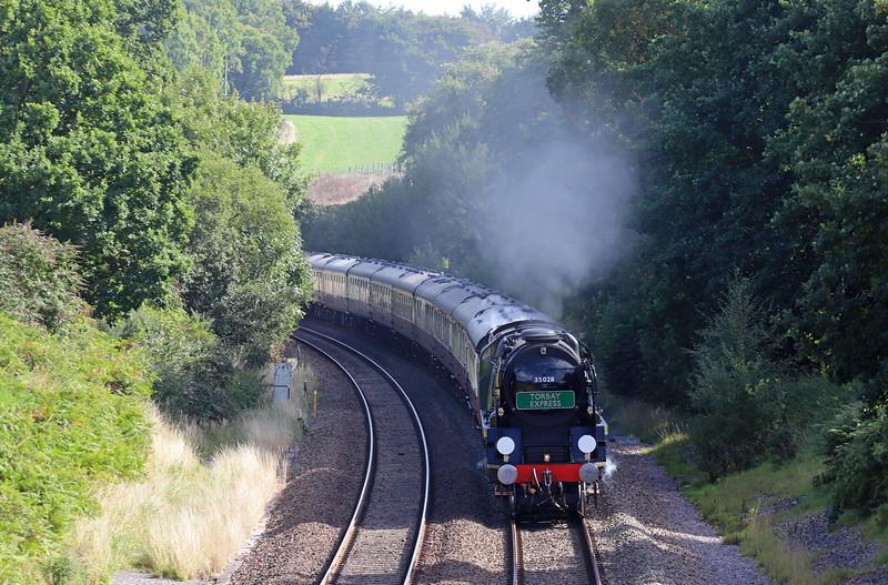 35028, 09.10 Bristol Temple Meads-Kingswear, Torbay Express, Whiteball, 9-9-18.
