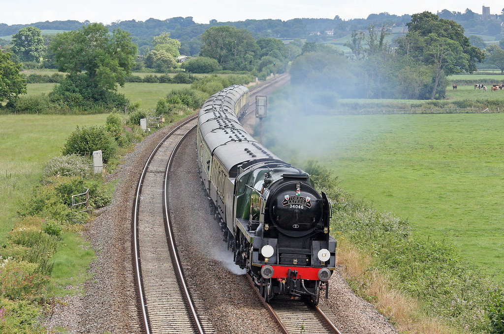 34046, 08.50 Bristol Temple Meads-Kingswear, The Torbay Express, via Westbury, Tiverton Parkway, 13-7-14.