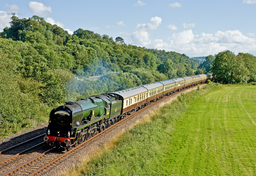 34046, 16.50 Kingswear-Bristol Temple Meads, The Torbay Express, Cullompton, 6-7-14.