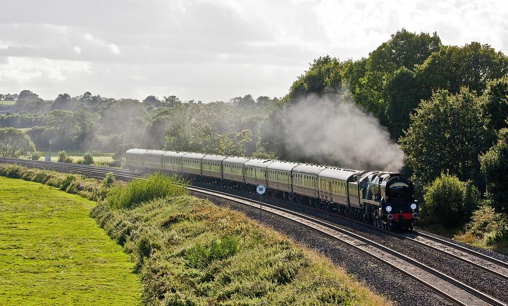 34046, 16.50 Kingswear-Bristol Temple Meads, Torbay Express, Silverton, near Exeter, 17-8-14.
