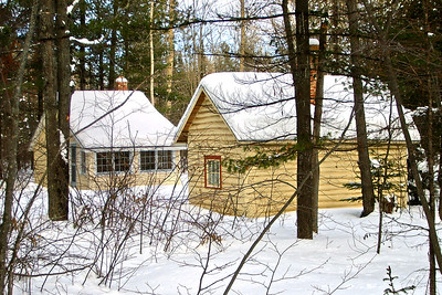 Guest Cabin and Sauna in Winter | Photo courtesy of Mike Anttonen