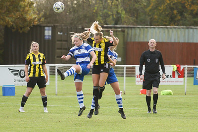 Crawley Wasps LFC (6) vs QPR Girls (0) on November 11, 2018 at Oakwood Football Ground, Tinsley Lane, Crawley, Crawley. Photo: Ben Davidson, www.bendavidsonphotography.com (181111-0105)