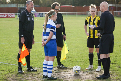 Crawley Wasps LFC (6) vs QPR Girls (0) on November 11, 2018 at Oakwood Football Ground, Tinsley Lane, Crawley, Crawley. Photo: Ben Davidson, www.bendavidsonphotography.com (181111-0056)