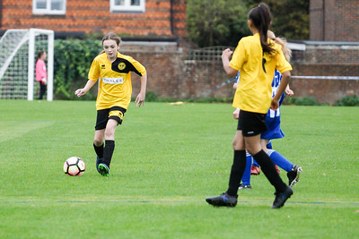 Crawley Wasps U12 (1) vs Horsham Sparrows U12 (1) on October 14, 2018 at Ewhurst Plying Field, Crawley, Crawley. Photo: Ben Davidson, www.bendavidsonphotography.com (181014-353)