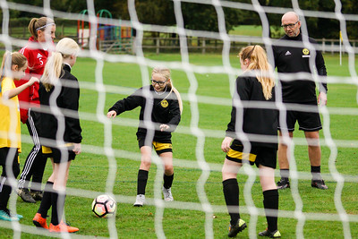 Crawley Wasps U12 (1) vs Horsham Sparrows U12 (1) on October 14, 2018 at Ewhurst Plying Field, Crawley, Crawley. Photo: Ben Davidson, www.bendavidsonphotography.com (181014-302)